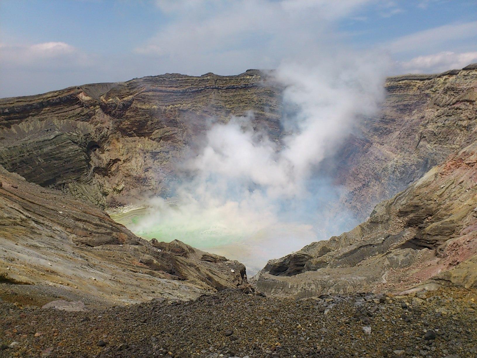 阿蘇山火口2