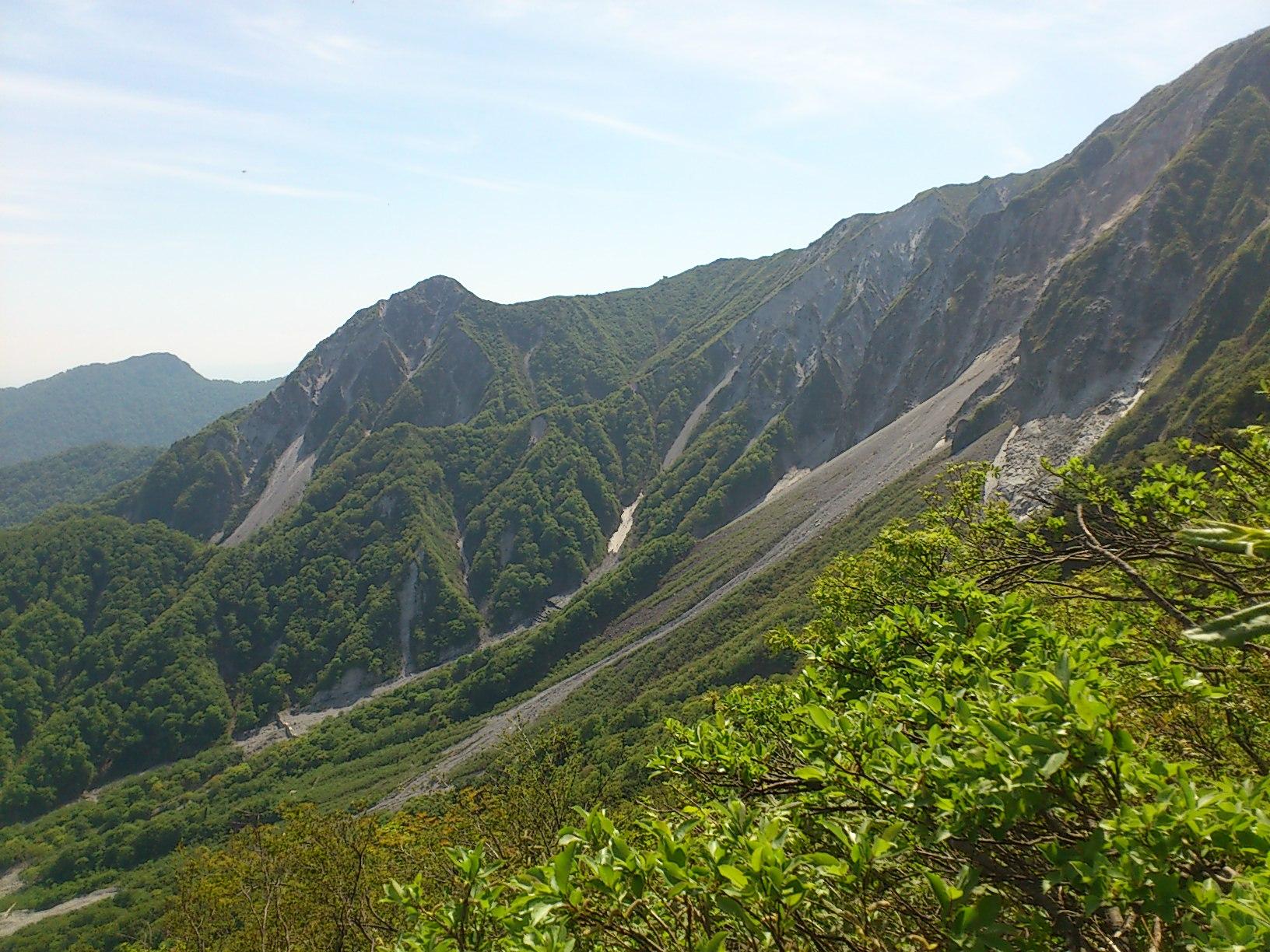 稜線が見えてきました。